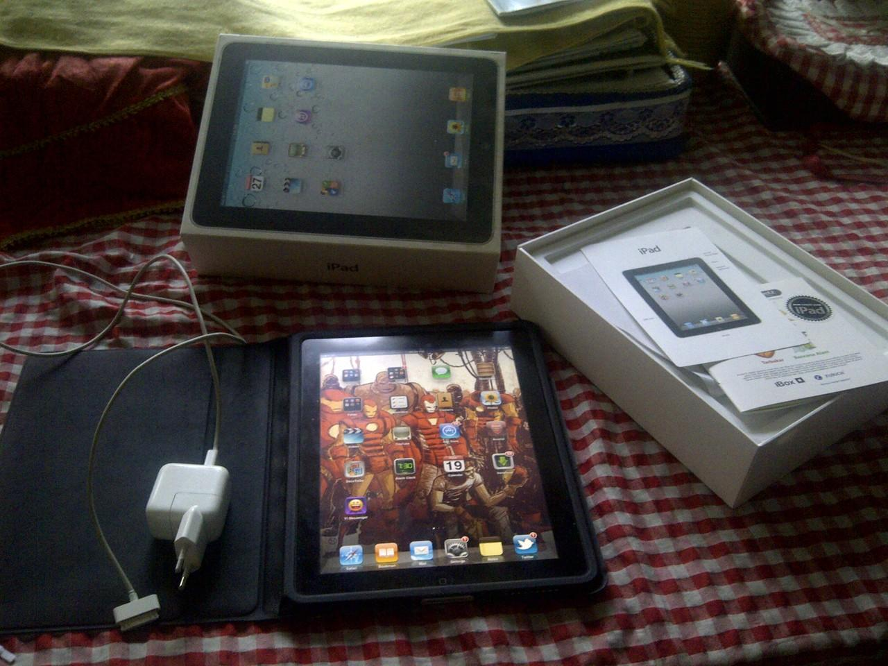 Jual iPad 1st gen. 3G+wifi. 32 GB.
