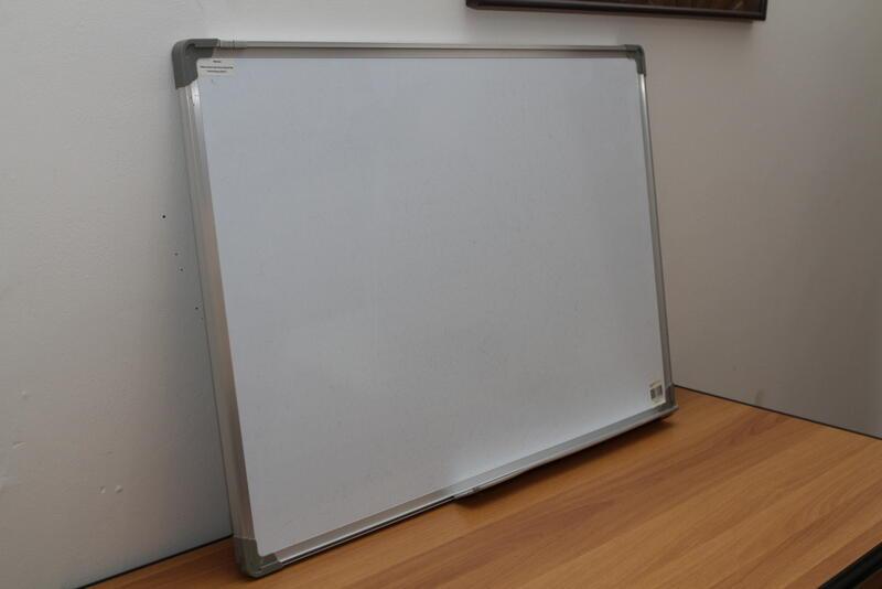 Jual Second White Board / Papan Tulis