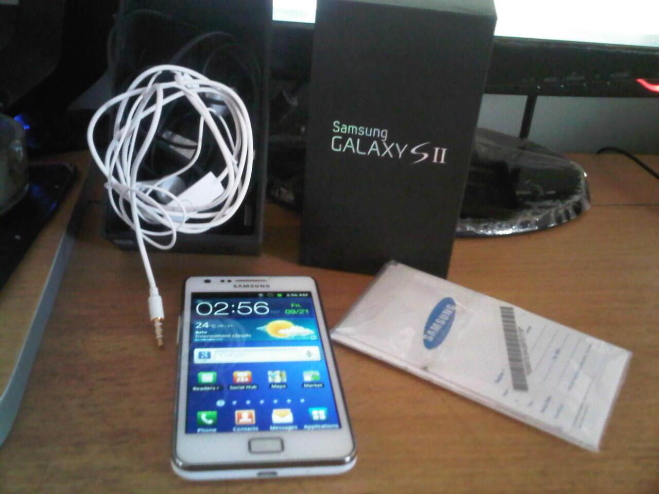 Samsung Galaxy SII GT-i9100 Putih Mulus Paling murah Se Malang raya