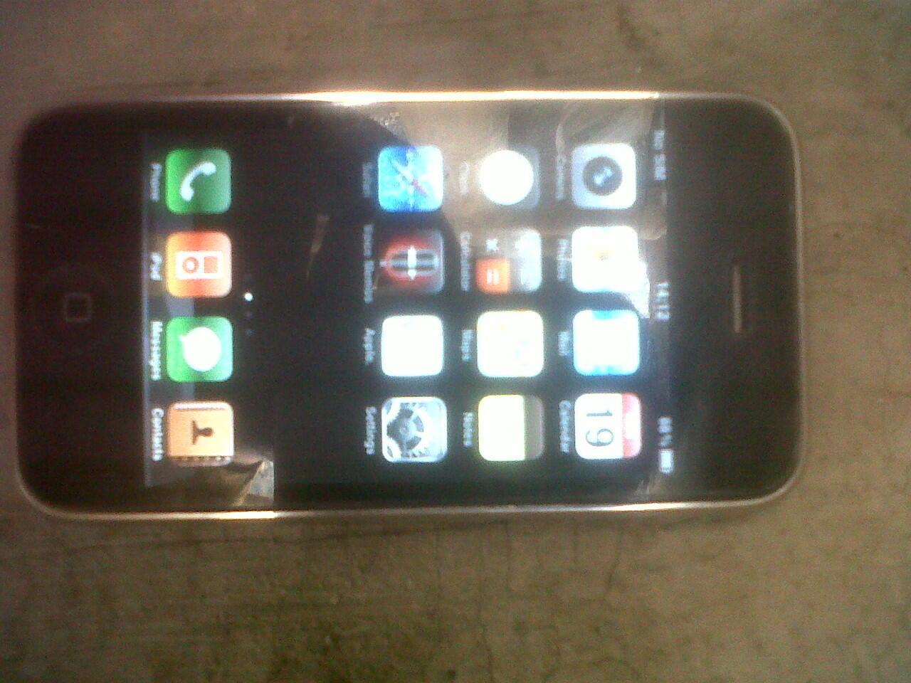 IPHONE 3G 8GB JAILBROKEN BATANGAN MURAHHH (BANDUNG)