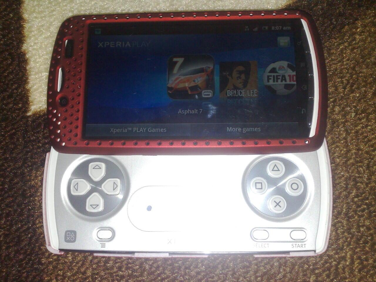 WTS -> Sony Xperia Play R800i (GSM) batangan