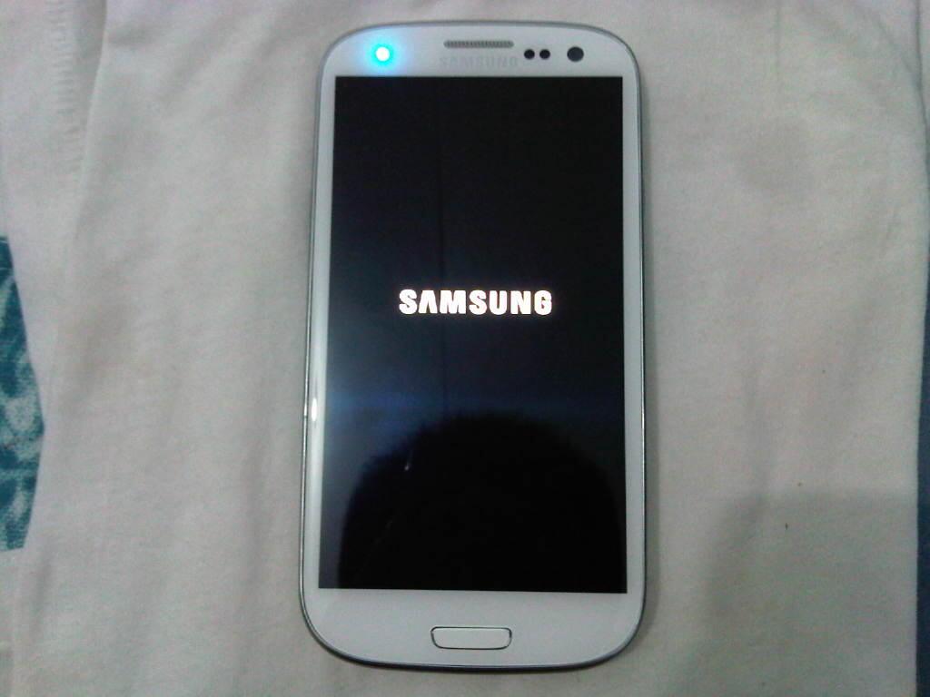 samsung galaxy s3 marble white 99.99% like new garansi sein panjang !