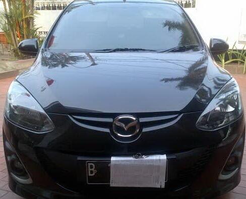 Mobil MAZDA 2 (Tipe R) 2011 MATIC + Sensor Parkir + Servis Bengkel Resmi