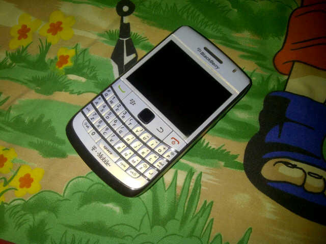 WTS : Blackberry Onyx2 WHITE Second..Kondisi fisik masih MULUS