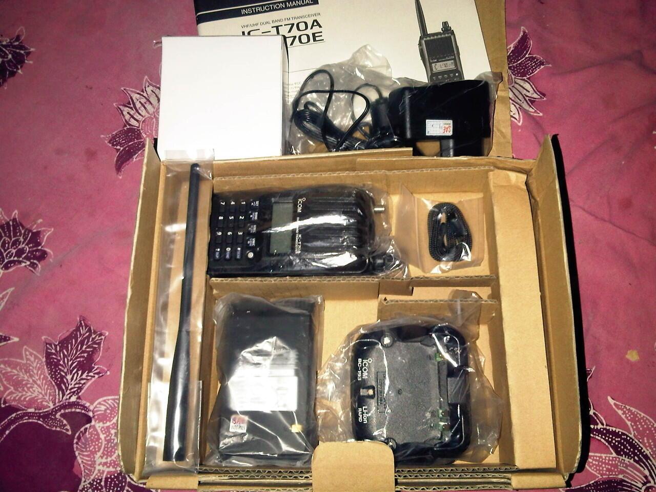 radio komunikasi HT IC T70