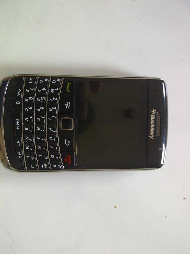 WTS BNOB Blackberry 9700 (onyx 1 )black, Bandung