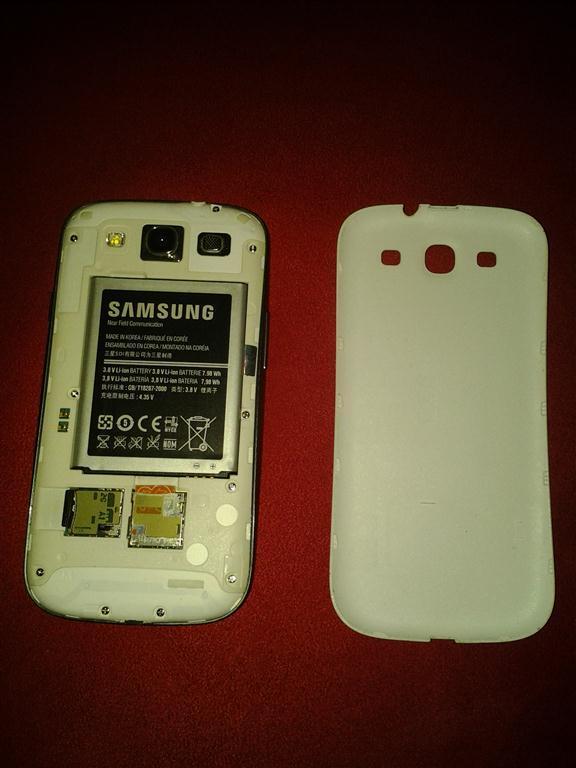 Samsung Galaxy SIII / S3 I9300 Fullset Mulus + Flip Cover Original
