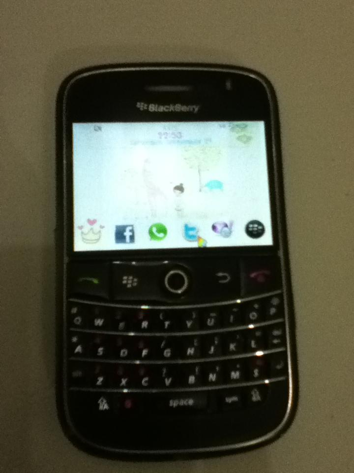 blackberry bolt 9000