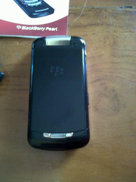 WTS Blackberry Pearl 8220 flip Surabaya