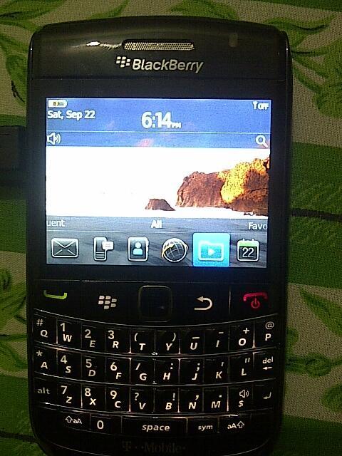 jual bb/blackberry onyx2 9780 ex berrindo warna item mulus 97%...mampir gan...