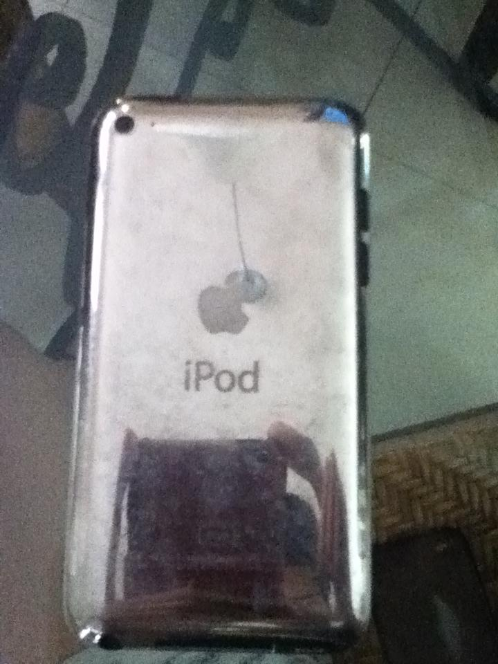 WTS iPod Touch 4th Gen 8GB