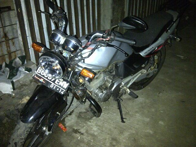 JUAL MOTOR HONDA TIGER TAHUN 2005 PAJAK DEPOK 9 JUTA NEGO AJA DAh!!!