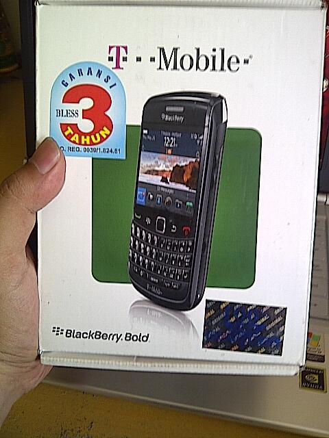 jual bb/blackberry onyx2/delta mulus 98% garansi BLESS masih 2,5tahun lagi...