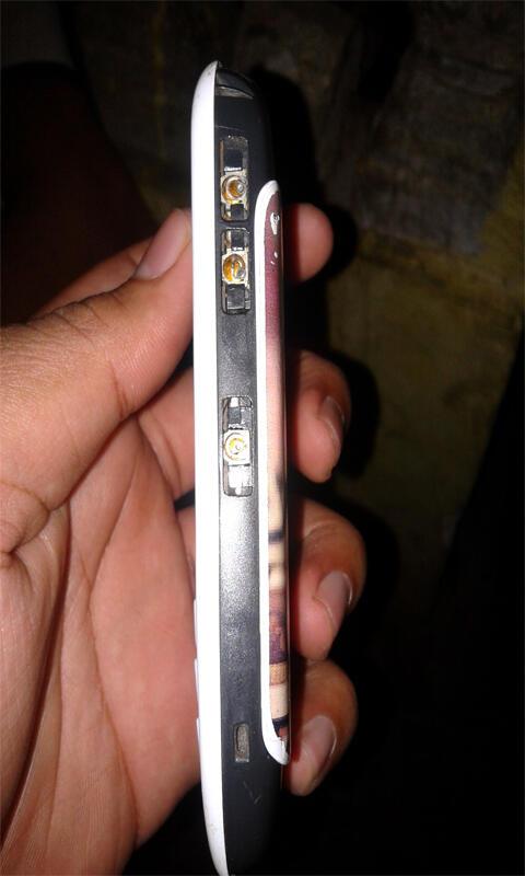 Blackberry 8520 (gemini putih)