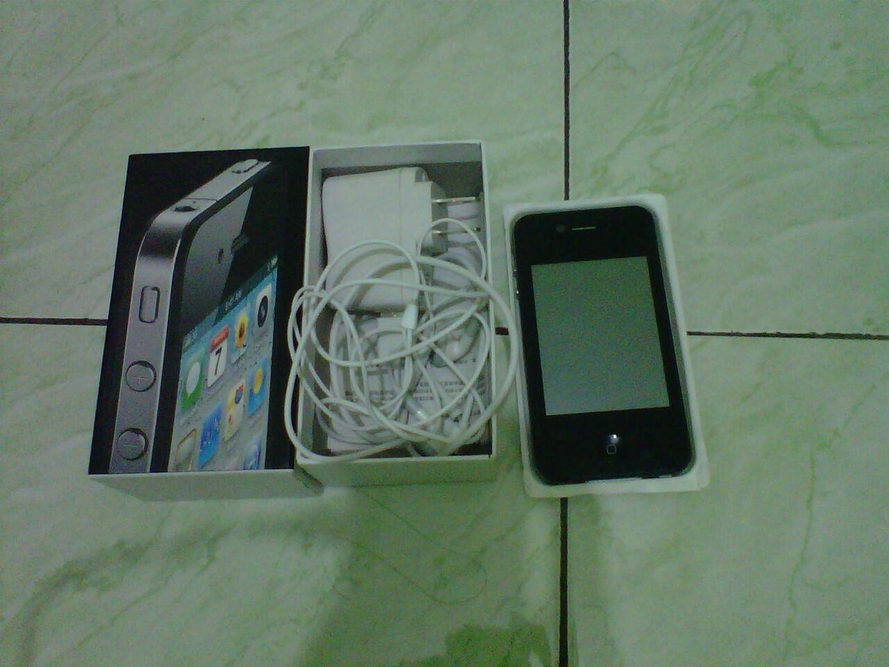 REPLIKA SAMSUNG GALAXY S3 DAN REPLIKA IPHONE 4 . MURAH !!! SEMARANG