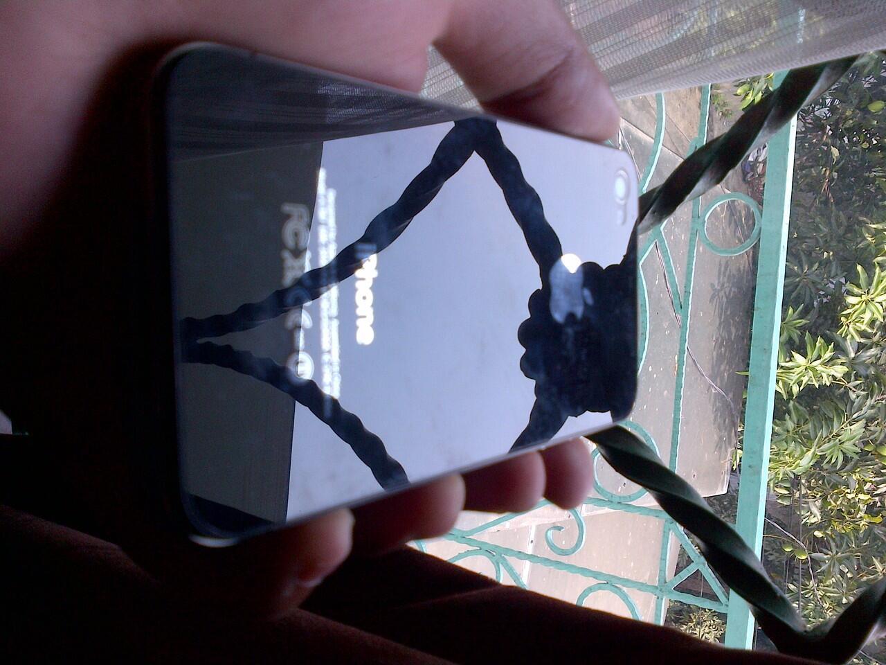 Jual Iphone 4S 16 GB Black Muluszt Bergaransi