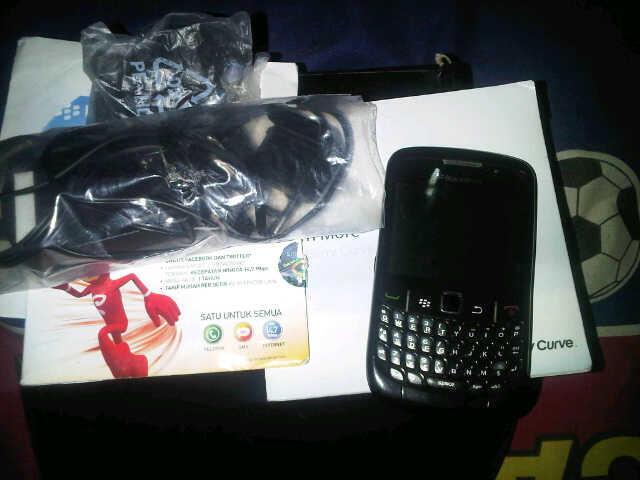 wts bb 8530 cdma black fullset murah (bandung)