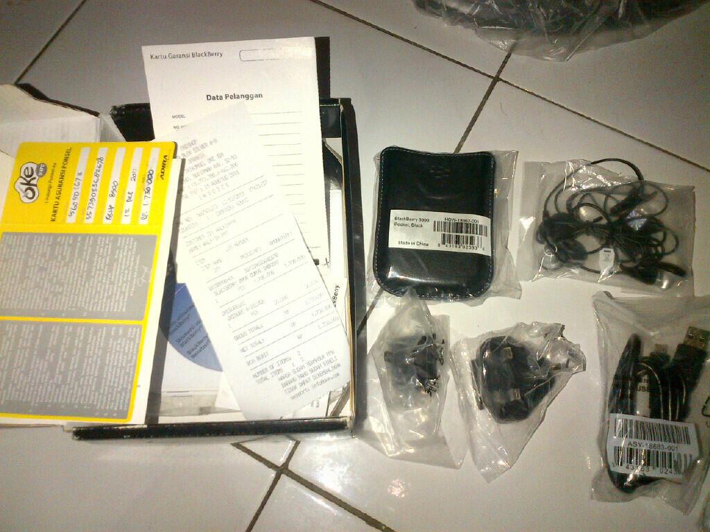 WTS Blackberry Javelin 8900 like new