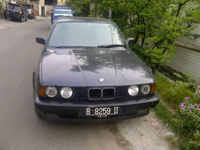 Mobil BMW 520i