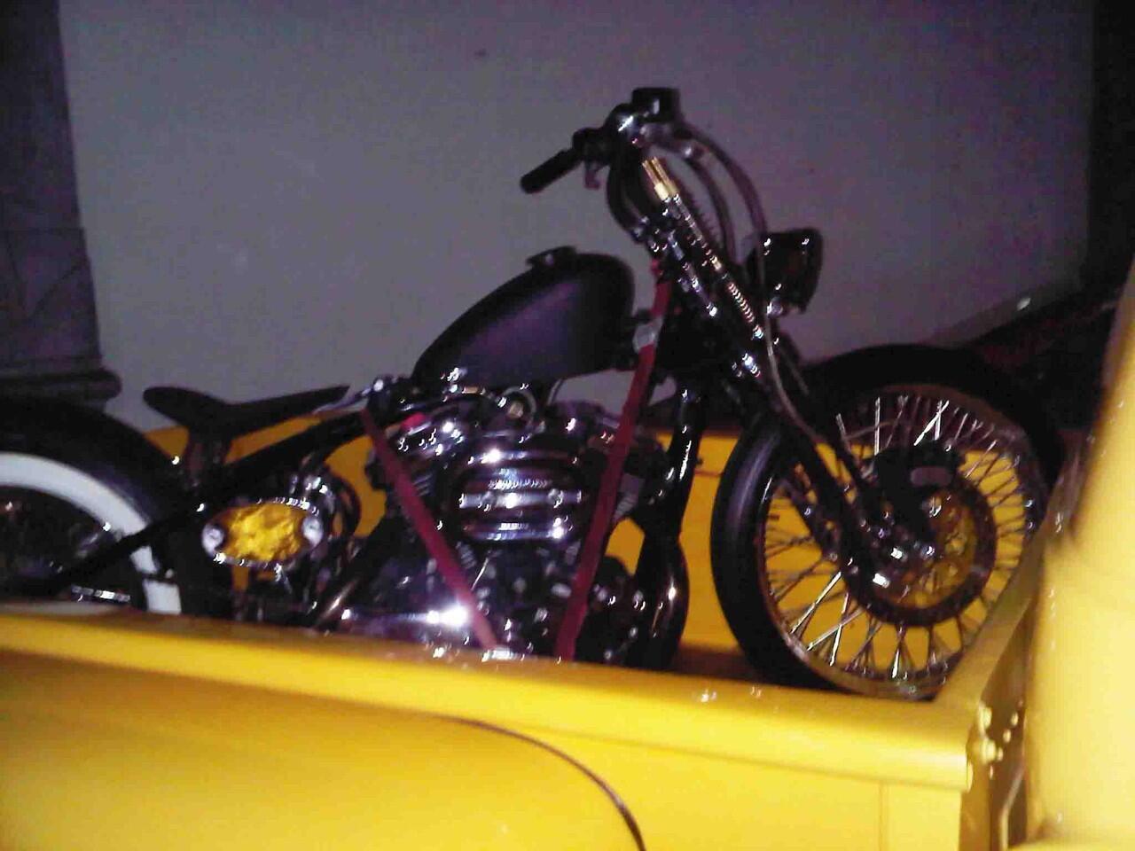 Motor Custom Harley Davidson sportster 1200c tahun 2003