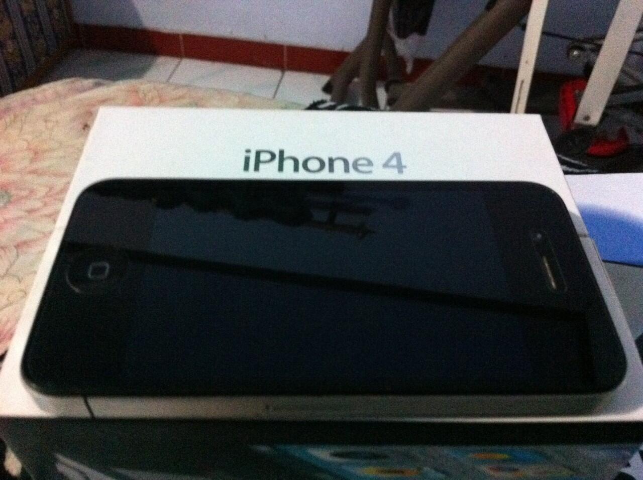 iphone 4 black FU 16gb bogor