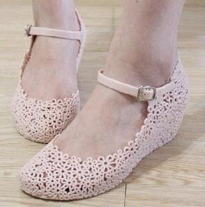 Sepatu Flower Jelly Wedge (Empuk, Wangi , Motif Flower Rapi)