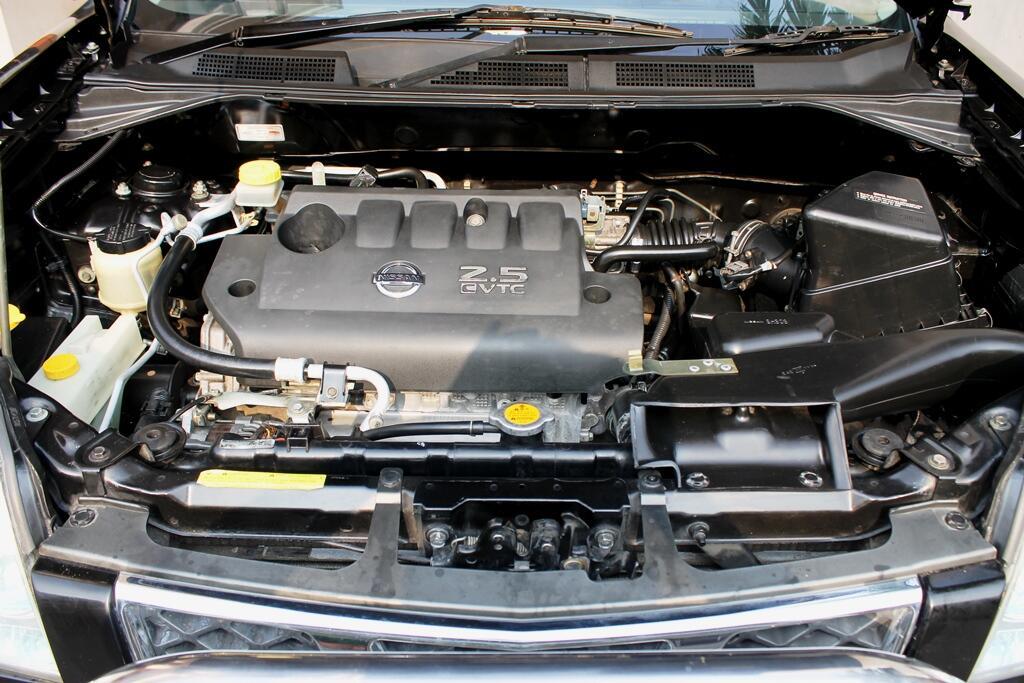 Nissan xtrail stt hitam