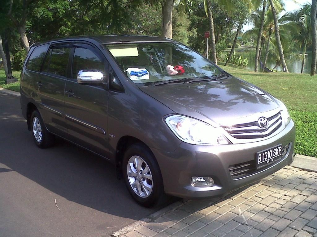 Innova G M/T Bensin Luxury Sept 2010 Grey Metallic Captain Seat