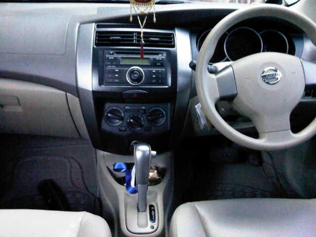 Nissan grand Livina XV bekasi