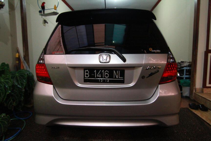 Jual Mobil Honda Jazz VtecTH 07