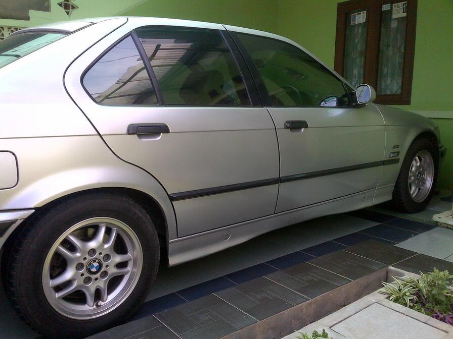 *** BMW 318 THN 93 *** ( Bandung )