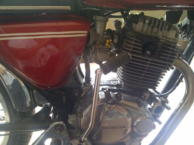 Jual Honda CB tahun 1975 (Banyak Bonus)