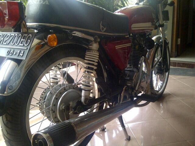 Jual Honda CB tahun 1975 (Banyak Bonus)..TURUN HARGA