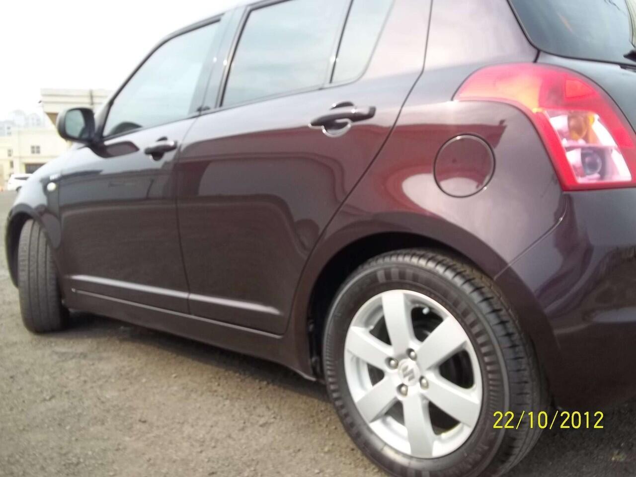 Suzuki SWIFT AT 2008 burgundy hanya 19 jt