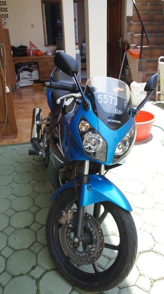 Honda CBR 2007 KM rendah