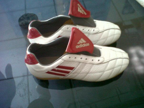 pre Order Sepatu Futsal made in Lokal