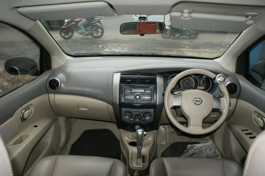 Nissan Grand Livina 1.5 XV AT 2008