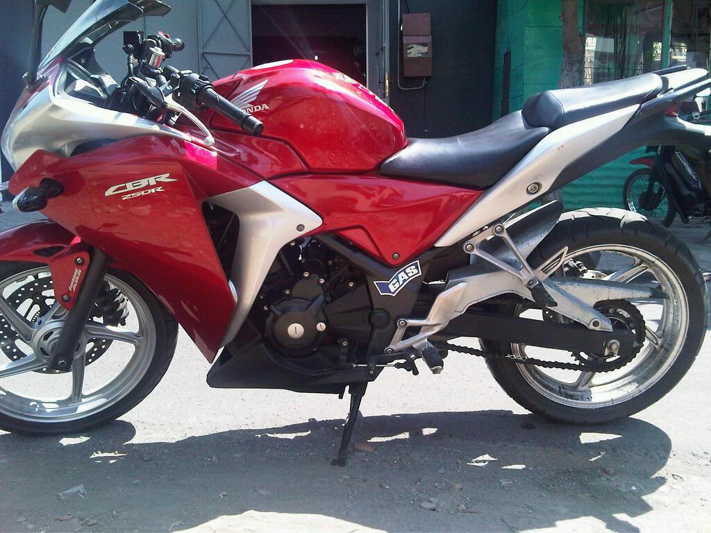 JUAL CEPAT CBR 250 ABS RED ISTIMEWA SOLO murah Turun Harga