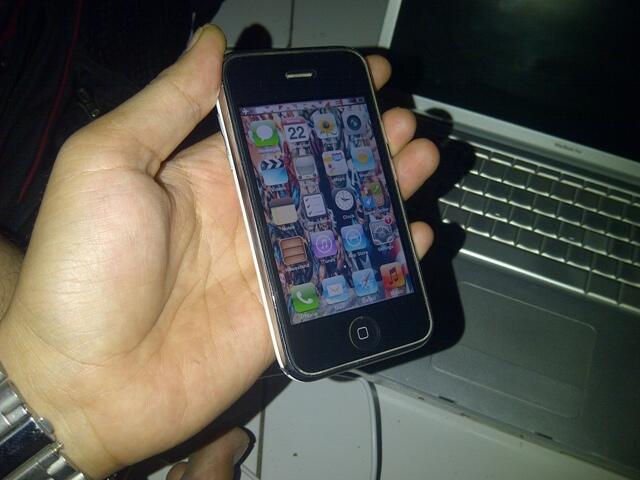 JUAL IPONE 3GS 16GB 2,1 JUTA aja gan!!!