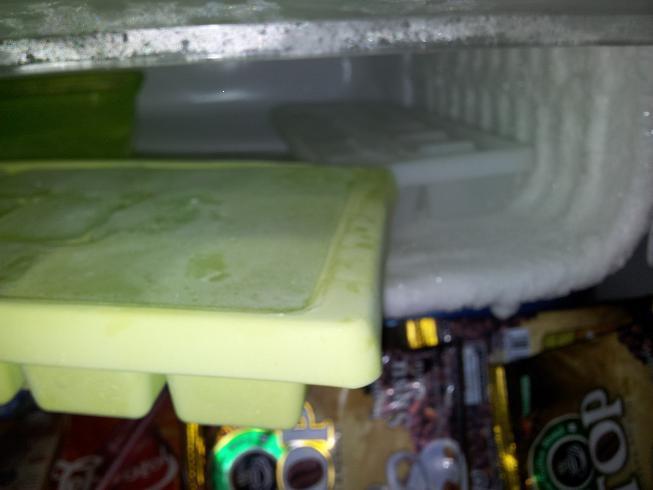 Jual Kulkas Lemari Es Mini Portabel Toshiba Glacio XD7 Muluss 99%