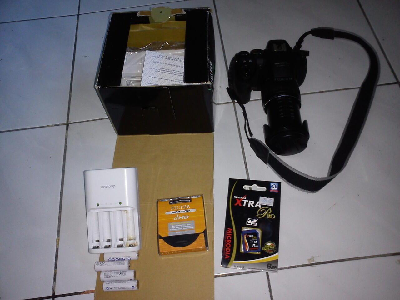 Kamera semi DSLR prosumer, fujifilm finepix hs20exr 24-720mm lens banyak bonus