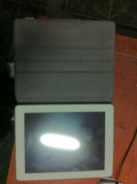Jual Ipad 2 white 32 GB Wifi Only