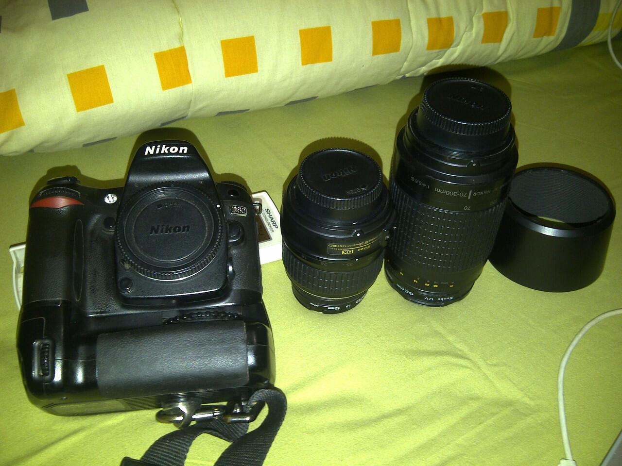 5jutaan nikon D80 + lensa kit !8-55mm + lensa nikon 70-200mm + BG nikon MB D80