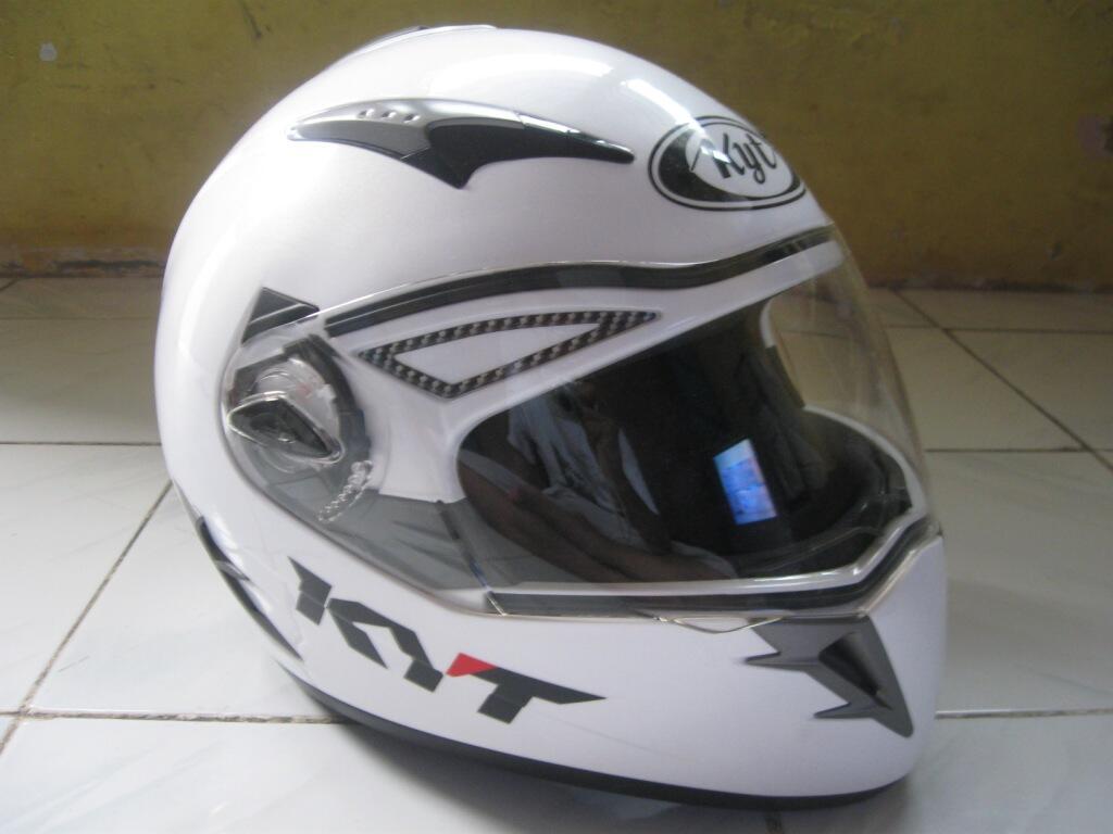 Helm KYT ALPHA VENOM, white pearl (double visor) masih mulus