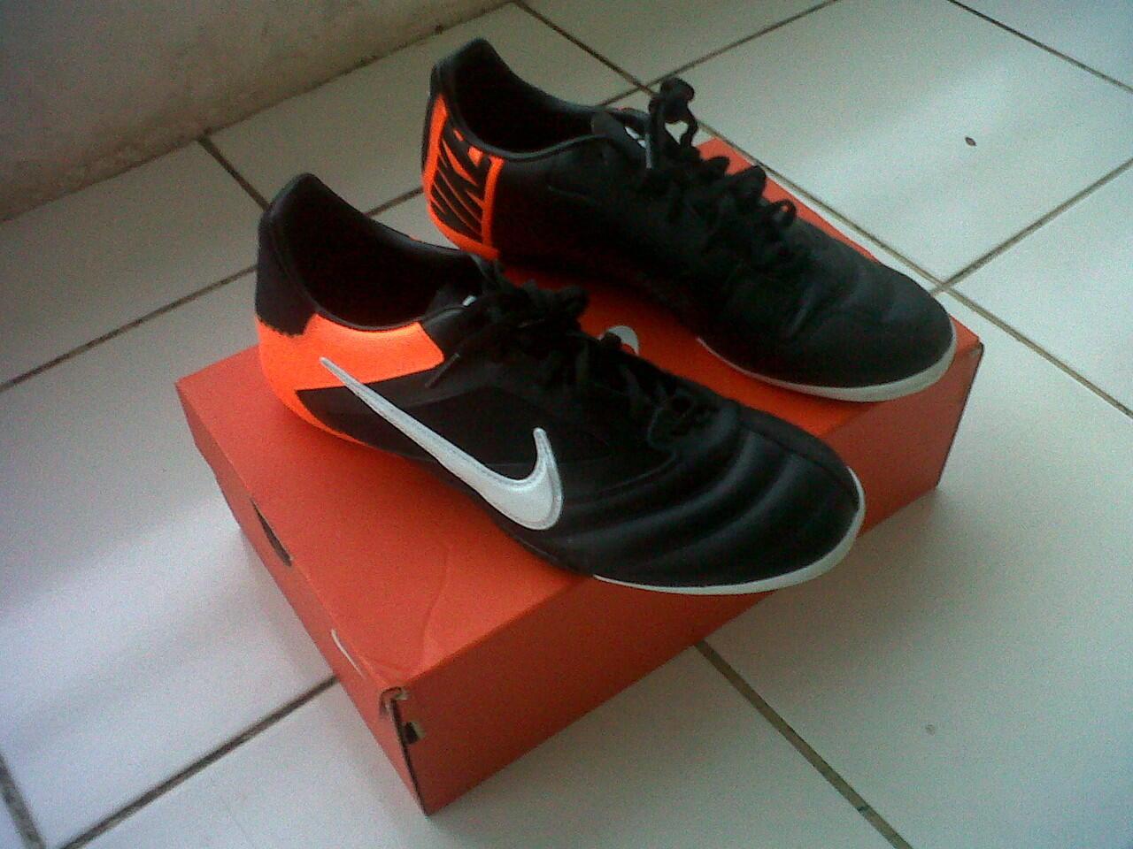 Nike 5 Elastico Pro