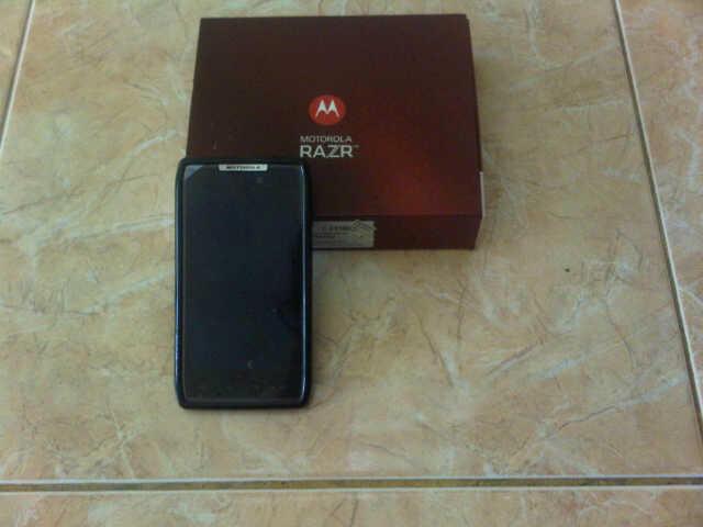 Dijual MotorolaDroid Razr XT-912 Black, ICS 4.0.4, GSM sudah ON, Mint Like New
