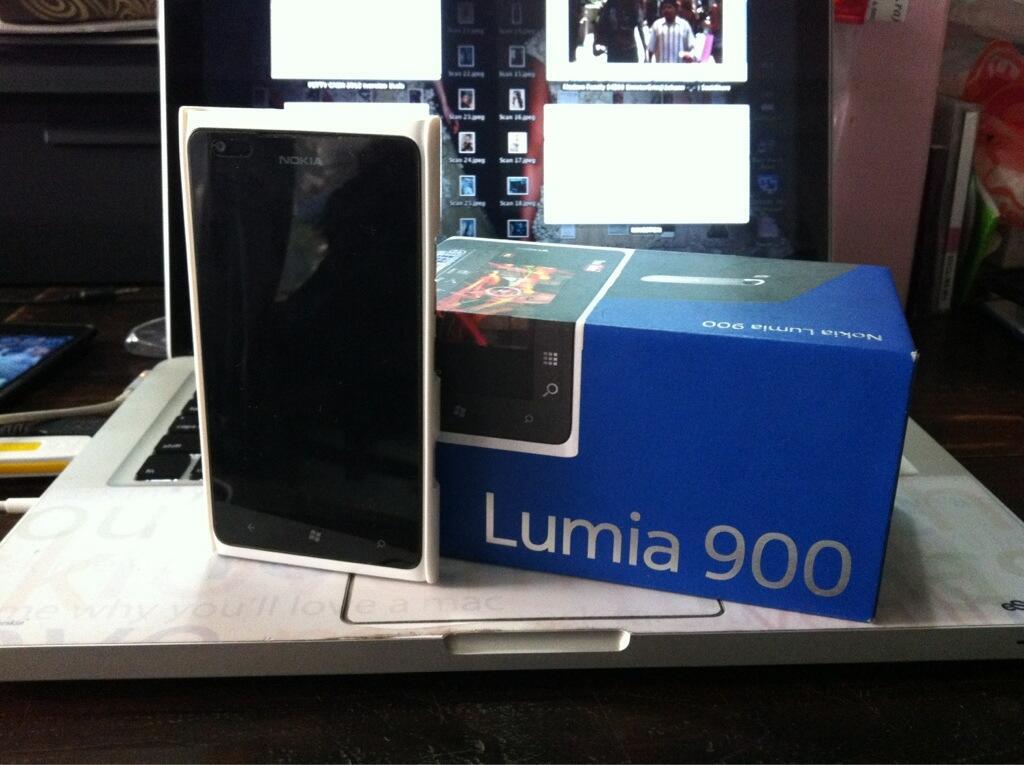 Dijual Nokia Lumia 900 White, Fullset, Garansi, Mulus, Murah