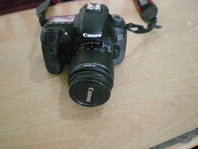 CAMERA SLR 60D lensa18-55mm