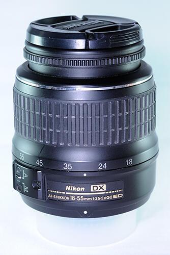 Dijual Nikon D5000 + Nikon AF-s 18-55mm Non Vr