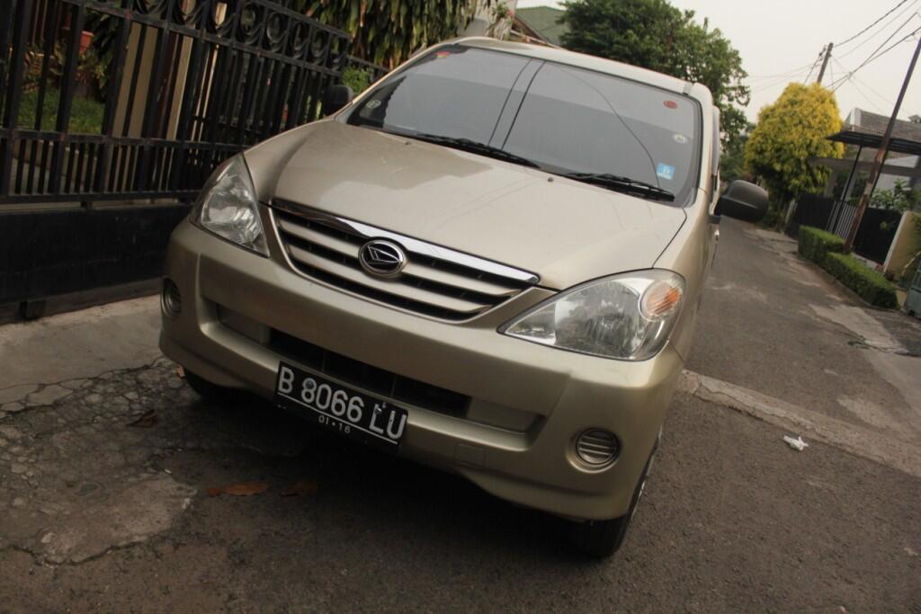 Daihatsu Xenia Li 2005 pemakaian 2008 !! Mobil nyaman, mulus, murah pas di kantong